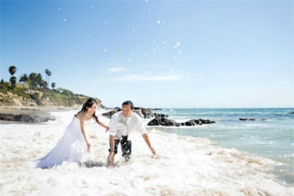 Những tình huống chụp ảnh cưới chỉ muốn giấu nhẹm của các cặp đôi - Ảnh 2.