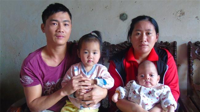 Con mới sinh đã mắc căn bệnh hiếm gặp ngặt nghèo, bố mẹ suốt ngày thay nhau bế vì con nằm xuống là tắt thở - Ảnh 4.