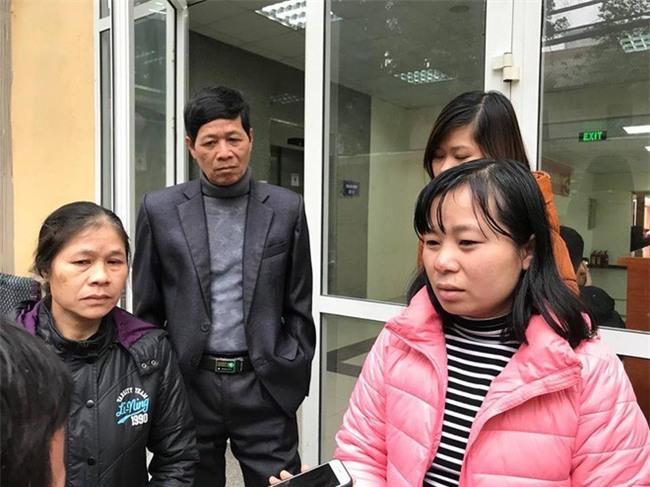 Đông Anh: Bé gái nguy kịch sau mũi tiêm nghi bị nhầm thuốc của nhân viên y tế - Ảnh 1.