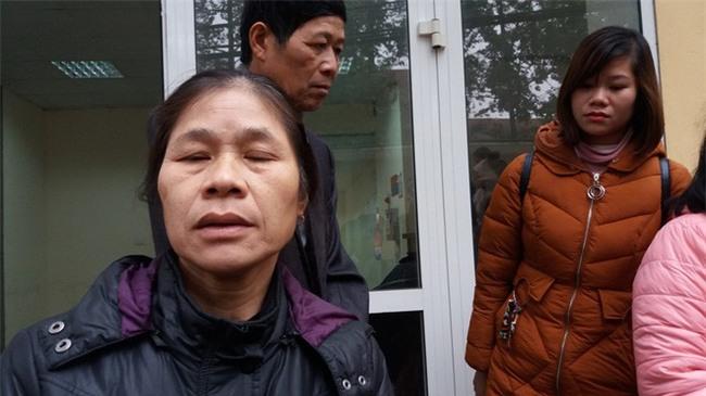 Đông Anh: Bé gái nguy kịch sau mũi tiêm nghi bị nhầm thuốc của nhân viên y tế - Ảnh 3.