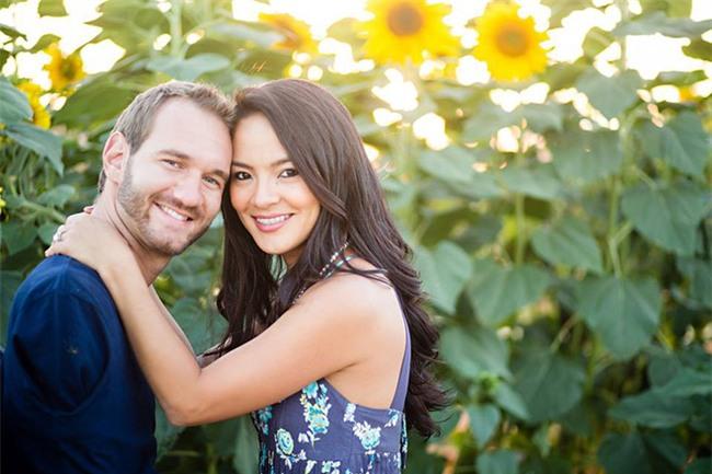 Vợ chồng Nick Vujicic nay đã có 4 con, hạnh phúc khoe hai con gái song sinh 4 tuần tuổi đáng yêu hết nấc - Ảnh 10.
