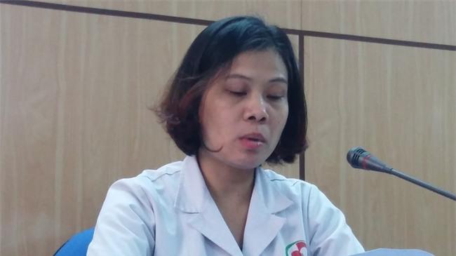 Vụ bé gái 8 tháng tuổi nguy kịch sau mũi tiêm của nhân viên y tế: Bệnh viện thừa nhận nhầm đường dùng thuốc - Ảnh 2.