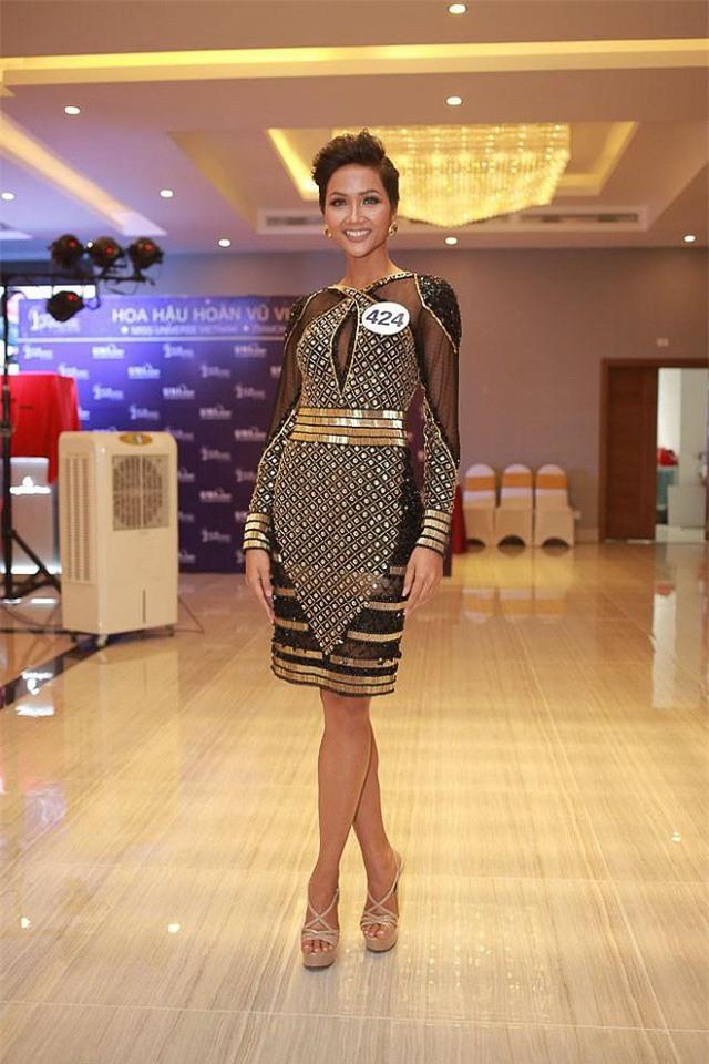Sở hữu làn da nâu như Hhen Nie mặc đẹp không khó, quan trọng là phải chọn đúng tông màu hợp da - Ảnh 11.