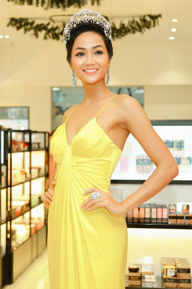 Sở hữu làn da nâu như Hhen Nie mặc đẹp không khó, quan trọng là phải chọn đúng tông màu hợp da - Ảnh 12.
