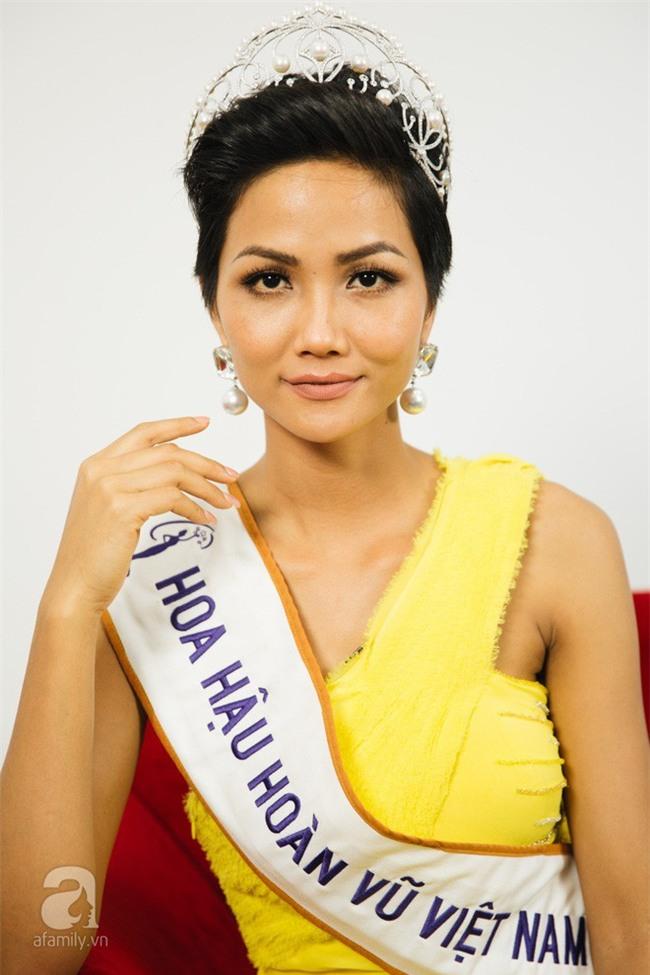 Sở hữu làn da nâu như Hhen Nie mặc đẹp không khó, quan trọng là phải chọn đúng tông màu hợp da - Ảnh 13.