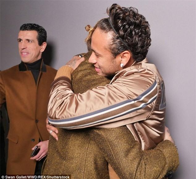 Neymar - Beckham, khi hai biểu tượng thời trang hội ngộ ở Paris - Ảnh 3.