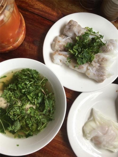 Đặc sản bánh cuốn canh Cao Bằng 'gây sốt' ở Hà Nội - Bạn đã biết địa chỉ nào ăn cực ngon? - Ảnh 3.