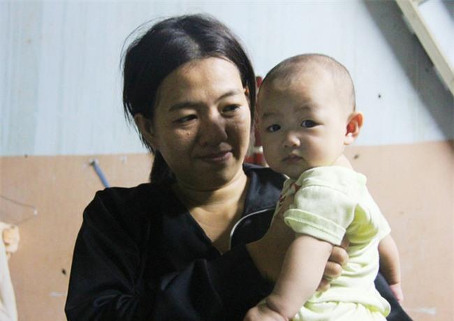 Chồng bỏ đi, người mẹ trẻ nuốt nước mắt nuôi hai con nhỏ dại, bệnh tật - Ảnh 10.