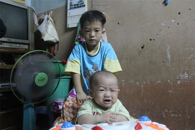 Chồng bỏ đi, người mẹ trẻ nuốt nước mắt nuôi hai con nhỏ dại, bệnh tật - Ảnh 11.