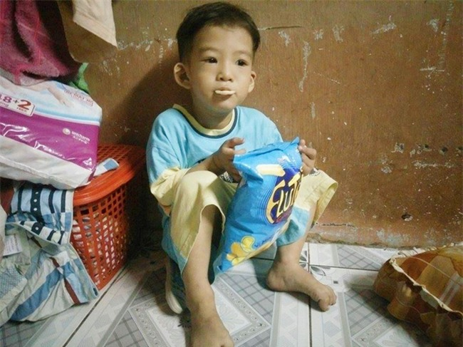 Chồng bỏ đi, người mẹ trẻ nuốt nước mắt nuôi hai con nhỏ dại, bệnh tật - Ảnh 14.