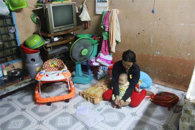 Chồng bỏ đi, người mẹ trẻ nuốt nước mắt nuôi hai con nhỏ dại, bệnh tật - Ảnh 2.