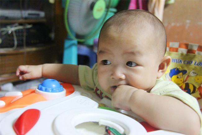 Chồng bỏ đi, người mẹ trẻ nuốt nước mắt nuôi hai con nhỏ dại, bệnh tật - Ảnh 7.