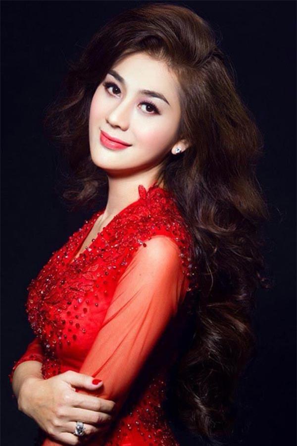 Lâm Khánh Chi: Trường Giang cầu hôn không đúng chỗ, phải xin lỗi Quý Bình - Ảnh 2.
