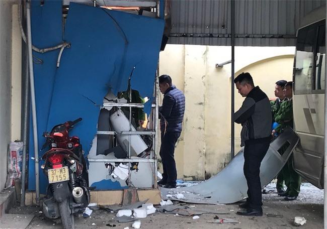 Kế hoạch cài mìn tự chế nổ cây ATM để lấy tiền trả nợ của 2 anh em - Ảnh 3.