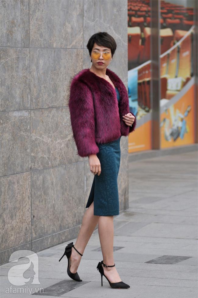 Tuần qua nắng ấm nên các quý cô Hà Thành được dịp khoe loạt street style với váy cực điệu - Ảnh 15.