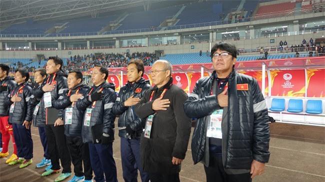 U23 Việt Nam lập kỳ tích, HLV Park Hang Seo được tìm kiếm chóng mặt ở Hàn Quốc - Ảnh 2.