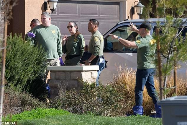 Vụ án cha mẹ bạo hành 13 người con: Cảnh sát vào cuộc tìm thi thể, xét nghiệm ADN xem 13 đứa trẻ có phải anh chị em ruột - Ảnh 1.