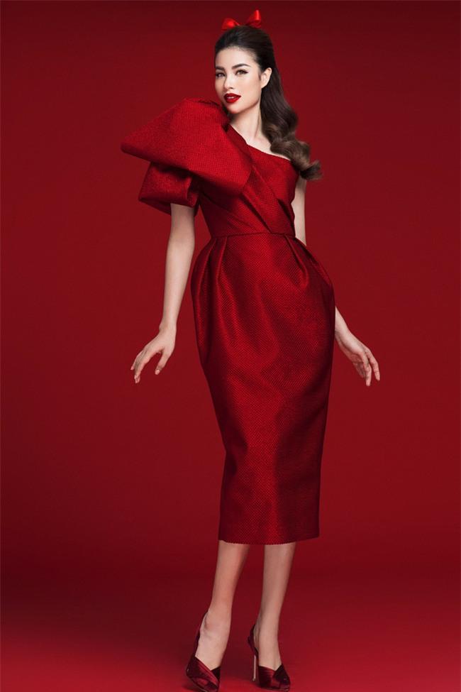Diện váy đỏ nổi bần bật, Phạm Hương đầy gợi cảm và quyến rũ hơn bao giờ hết - Ảnh 8.