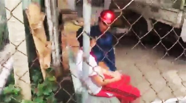 """Bình Dương: Nữ công nhân liên tục bị mất đồ lót, nhận thư khủng bố từ tên trộm """"nhí"""" - Ảnh 3."""