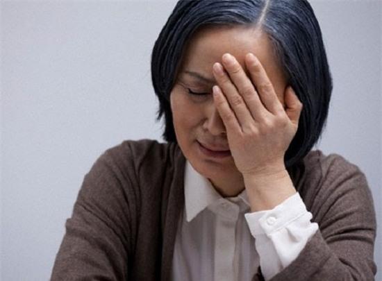 Bằng bát cơm khét, mẹ đã thành công trong việc lừa tôi để chính tay tôi đuổi vợ đi - Ảnh 1.