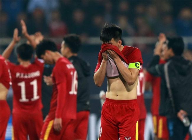 Dưới cái bóng chiến công của U23 Việt Nam, đừng tự ti như thế Công Vinh ạ! - Ảnh 2.
