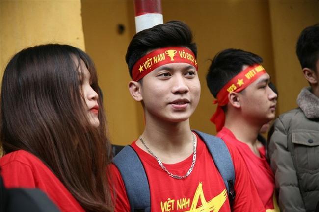 Cập nhật: Không khí hào hứng của người hâm mộ trước trận đấu lịch sử U23 Việt Nam - U23 Qatar - Ảnh 10.