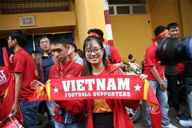 Cập nhật: Không khí hào hứng của người hâm mộ trước trận đấu lịch sử U23 Việt Nam - U23 Qatar - Ảnh 5.