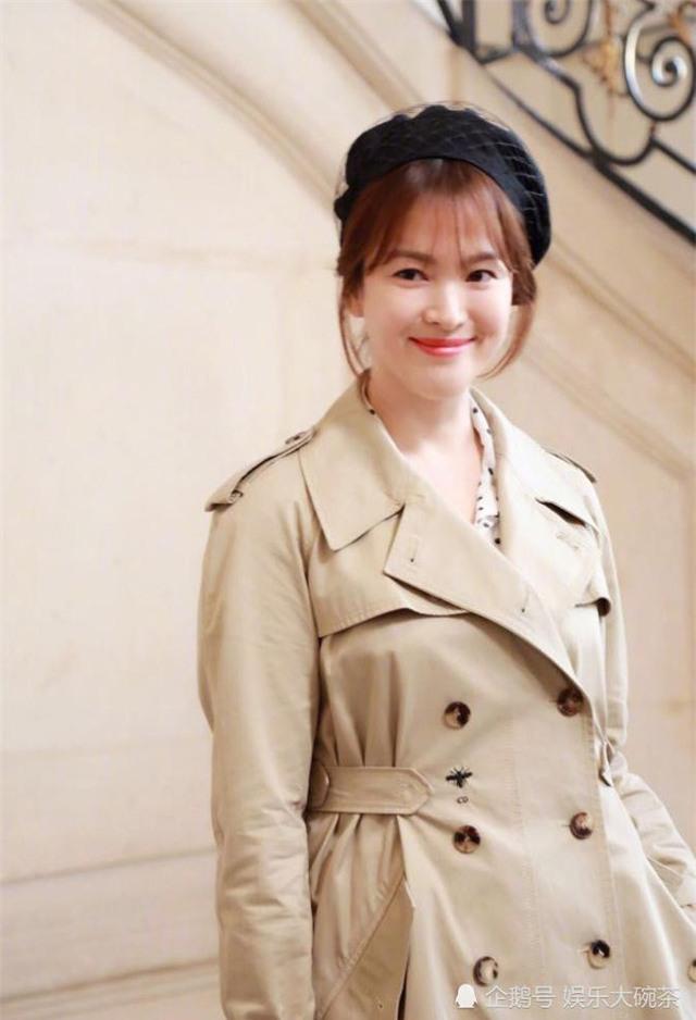 Mỹ nhân xứ Hàn trang điểm theo phong cách tự nhiên và trong veo.