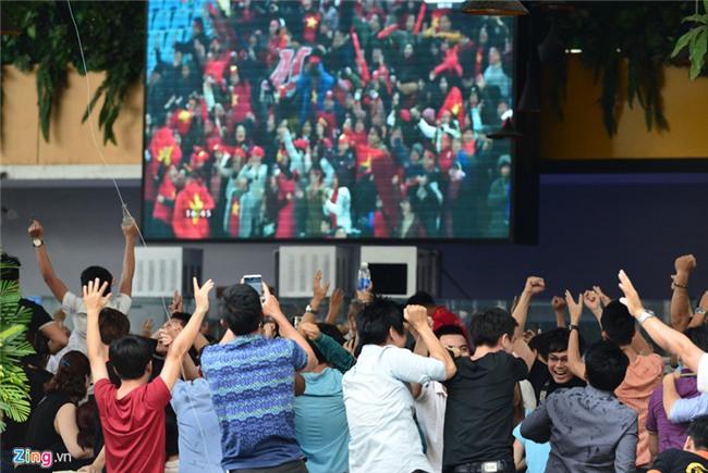 Khoc oa sung suong trong tran thang kho tin truoc U23 Qatar hinh anh 1