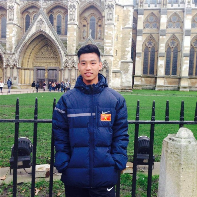Vũ Văn Thanh - chàng cầu thủ với biểu cảm siêu cool khi sút vào quả penalty cuối đưa U23 vào chung kết! - Ảnh 3.