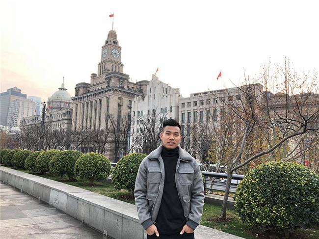 Vũ Văn Thanh - chàng cầu thủ với biểu cảm siêu cool khi sút vào quả penalty cuối đưa U23 vào chung kết! - Ảnh 4.