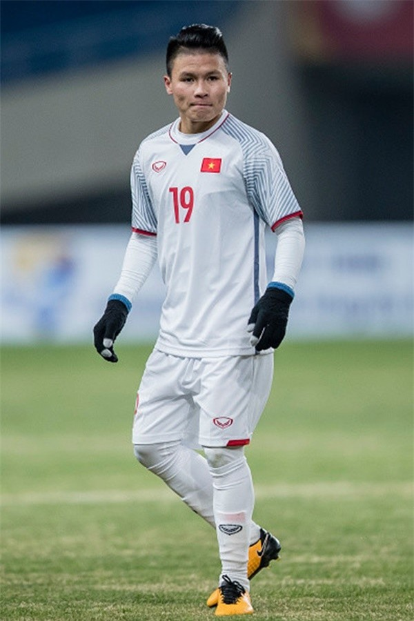 Chàng cầu thủ ghi 2 bàn cho U23 không chỉ là người hùng sân cỏ mà ngoài đời còn là soái ca chăm diện đồ đôi với bạn gái - Ảnh 2.