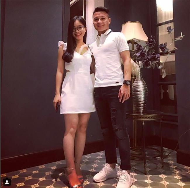 Chàng cầu thủ ghi 2 bàn cho U23 không chỉ là người hùng sân cỏ mà ngoài đời còn là soái ca chăm diện đồ đôi với bạn gái - Ảnh 8.