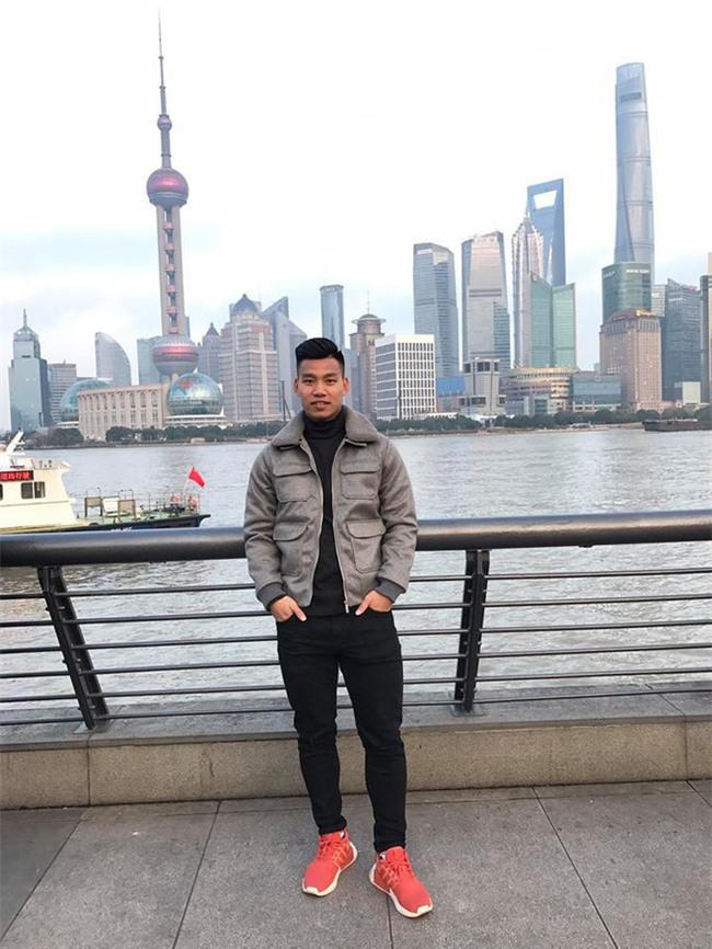 Điển trai lại còn chung thủy, Vũ Văn Thanh tuyển U23 đi đâu cũng chỉ diện 3 đôi giày này - Ảnh 6.