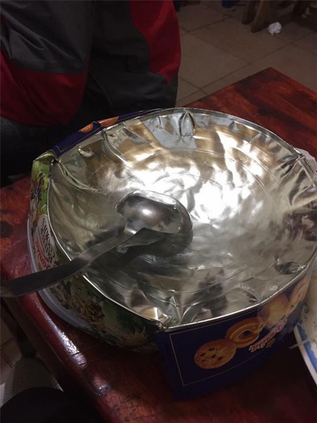 Cư dân mạng kiểm kê thiệt hại về xoong chảo sau đêm ăn mừng chiến thắng của U23 Việt Nam - Ảnh 2.
