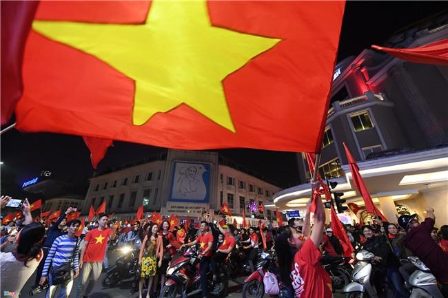 Dem khong ngu voi khat vong U23 Viet Nam hinh anh 16