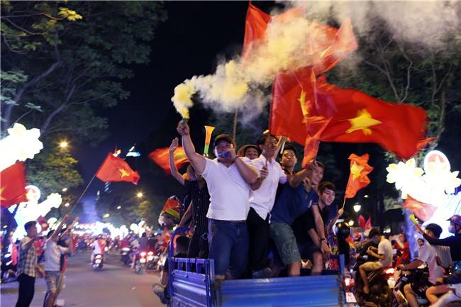 Dem khong ngu voi khat vong U23 Viet Nam hinh anh 27