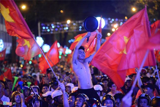 Dem khong ngu voi khat vong U23 Viet Nam hinh anh 32