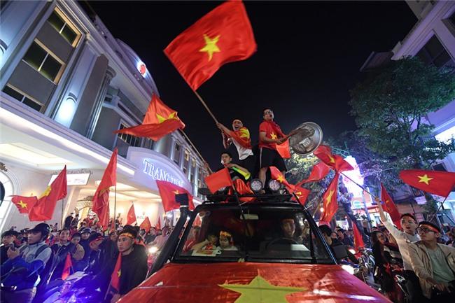 Dem khong ngu voi khat vong U23 Viet Nam hinh anh 36