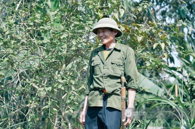 Bố mẹ Bùi Tiến Dũng vẫn vui vẻ cắt mía, cho trâu ăn ở quê nhà: Việt Nam vô địch, chúng tôi sẽ mổ bò để liên hoan! - Ảnh 1.