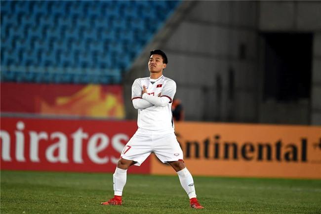 Trao luu che anh, bat chuoc dang an mung cua Van Thanh U23 Viet Nam hinh anh 1