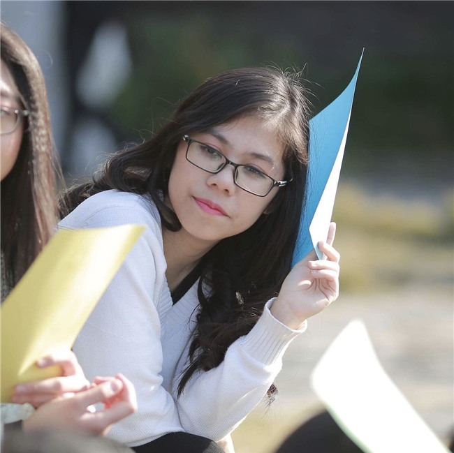 Viết luận về đá cầu và bình đẳng giới, nữ sinh Ams 17 tuổi giành học bổng 6,7 tỷ du học Mỹ - Ảnh 2.