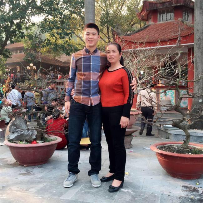 Mải đắm đuối với Tiến Dũng, Quang Hải, chị em đã quên mất 2 người hùng thầm lặng bị chấn thương hôm trước - Ảnh 10.