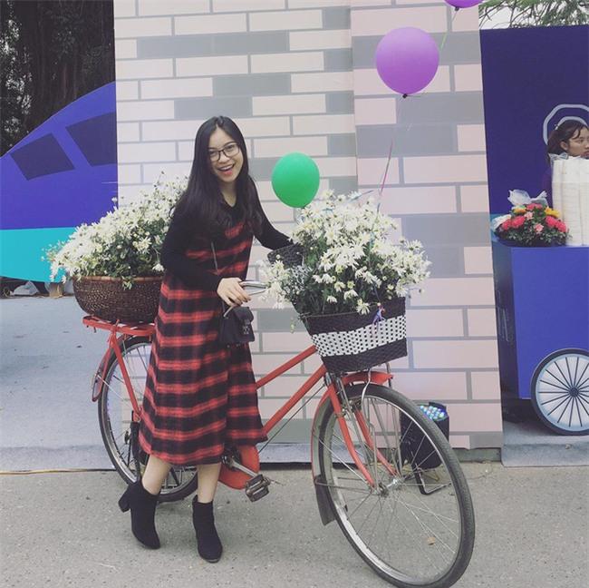 Xinh xắn và phong cách đáng yêu thế này, hèn gì bạn gái của 2 người hùng U23 Việt Nam khiến ai nhìn cũng quý - Ảnh 3.