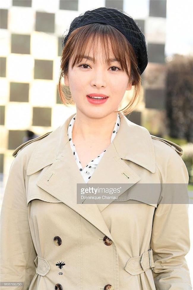 di xem show hoanh trang the nay, song hye kyo mac vay bi che xau cung chang oan! - 4