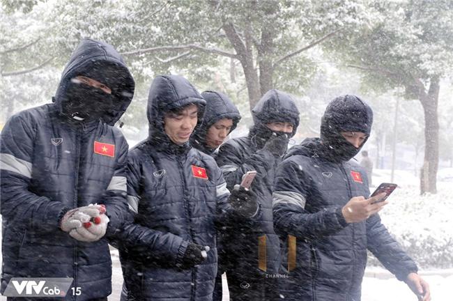 Cau thu U23 thich thu nghich tuyet o Thuong Chau hinh anh 5