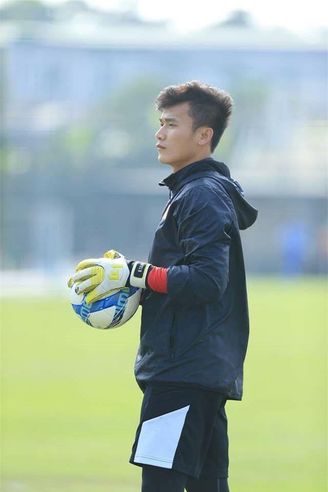 Loạt ảnh dậy thì thành công của dàn cầu thủ cực phẩm U23 Việt Nam - Ảnh 13.