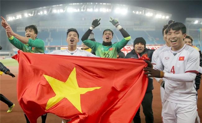 Clip: Trước thềm chung kết giữa U23 Việt Nam và U23 Uzbekistan, hãy xem dàn Táo Quân dự đoán tỉ số cực hài hước! - Ảnh 2.