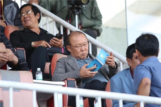 Trước thềm trận chung kết, cùng ngắm loạt khoảnh khắc 'siêu kute' của huấn luyện viên Park Hang Seo-6