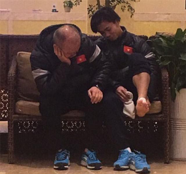 Trước thềm trận chung kết, cùng ngắm loạt khoảnh khắc 'siêu kute' của huấn luyện viên Park Hang Seo-7